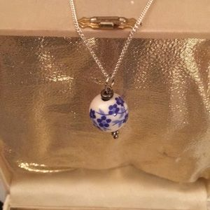 Jewelry - Sweet Faux Porcelain Pendant Necklace